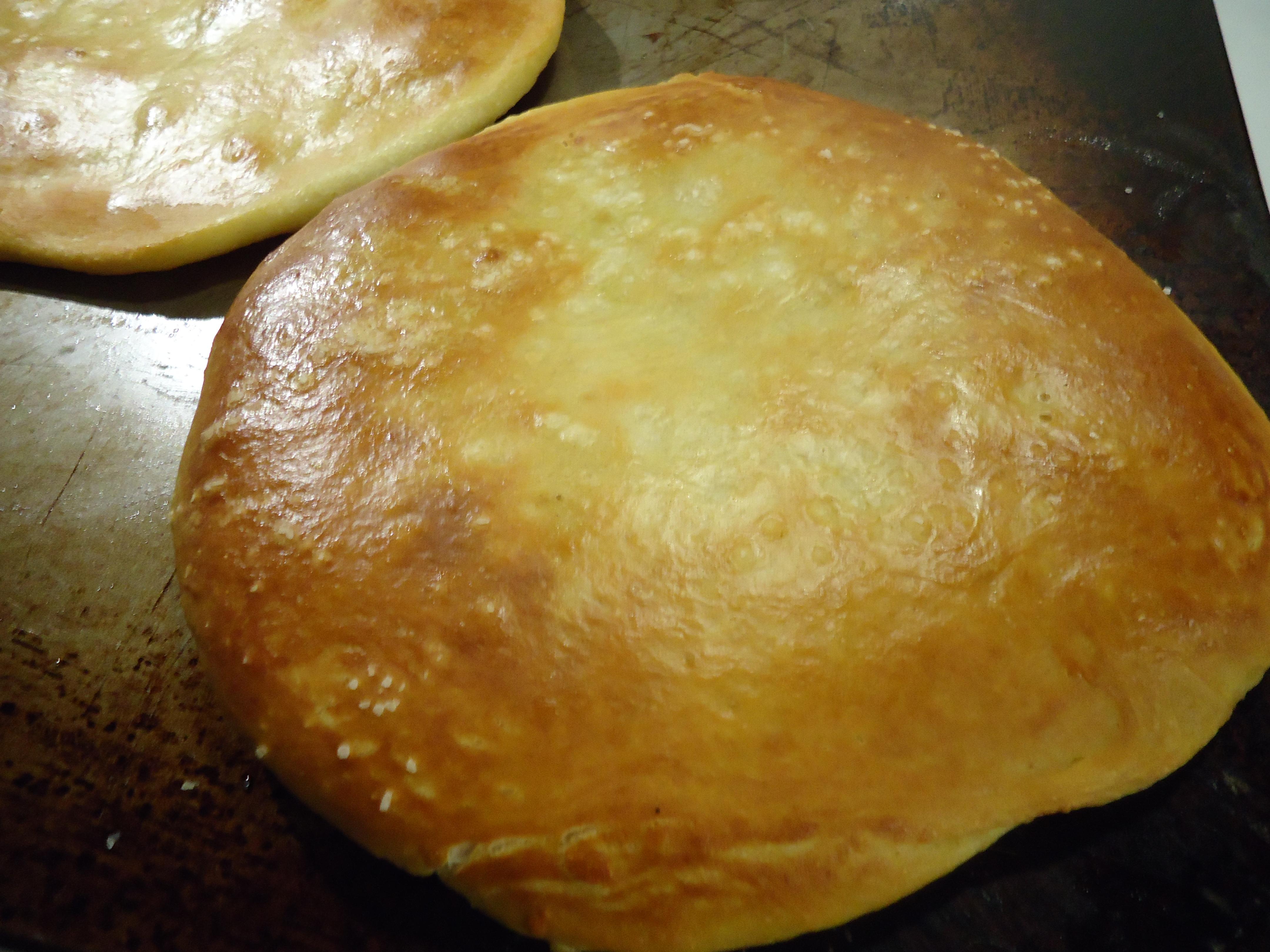 pretzel dough pizza crust | Designs on Dinner
